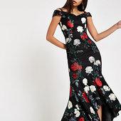 River Island Chi Chi London - Robe Bardot à Fleurs Noire